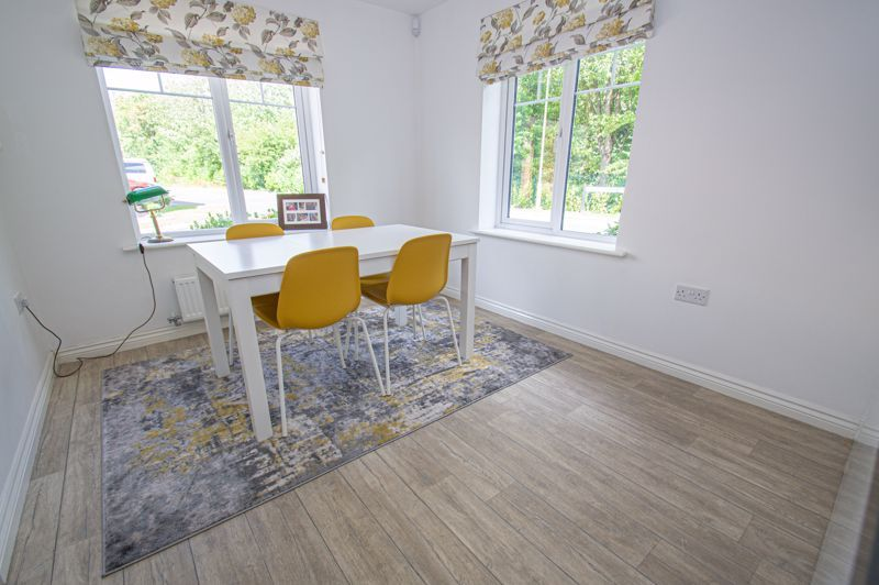 4 bed house for sale in Dawn Close 4
