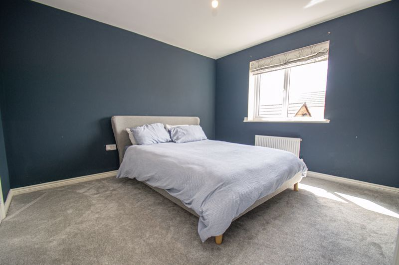 4 bed house for sale in Dawn Close 7