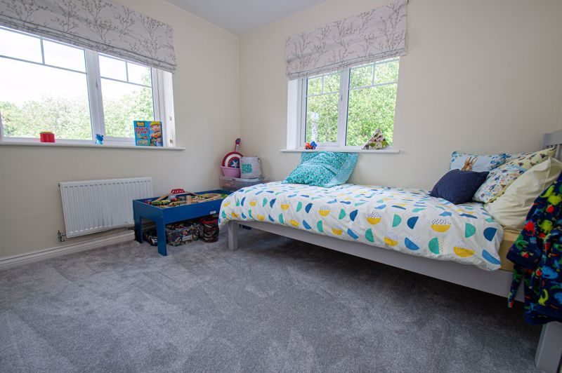 4 bed house for sale in Dawn Close  - Property Image 10