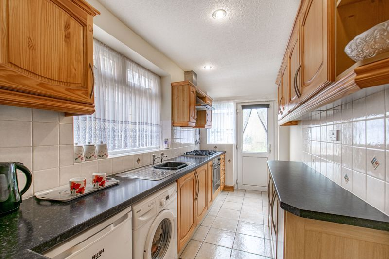 3 bed house for sale in Olton Boulevard East  - Property Image 2