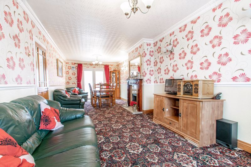 3 bed house for sale in Olton Boulevard East  - Property Image 3