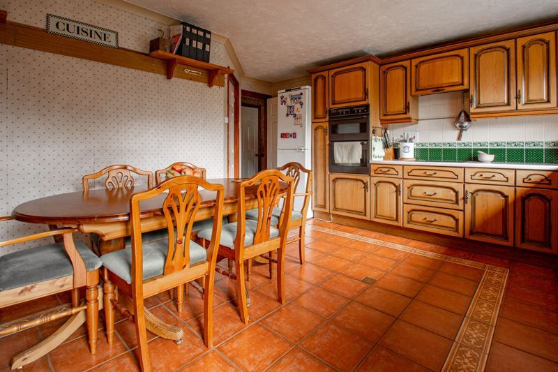 4 bed bungalow for sale in Redditch Road  - Property Image 15