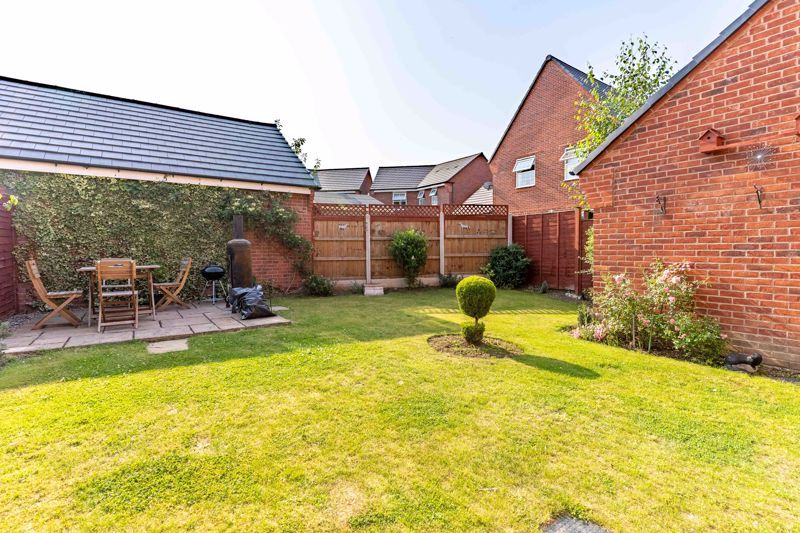 4 bed house to rent in John Corbett Drive 12