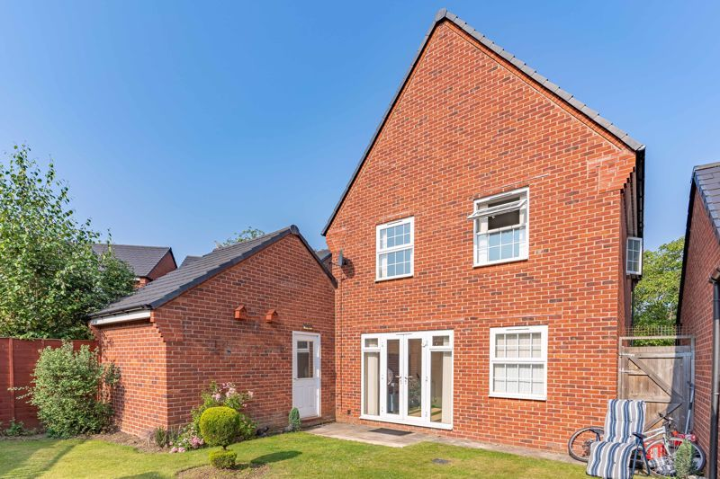 4 bed house to rent in John Corbett Drive  - Property Image 13