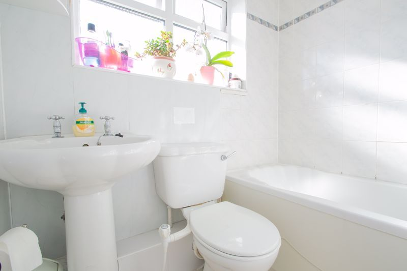 3 bed house for sale in Abbey Road 12