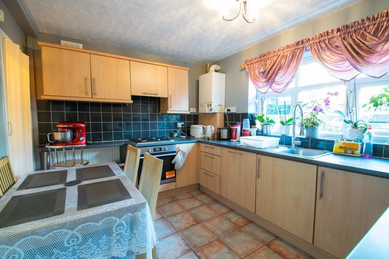 3 bed house for sale in Abbey Road 4
