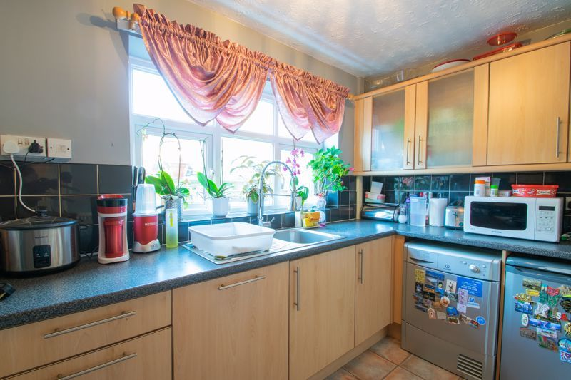 3 bed house for sale in Abbey Road 5