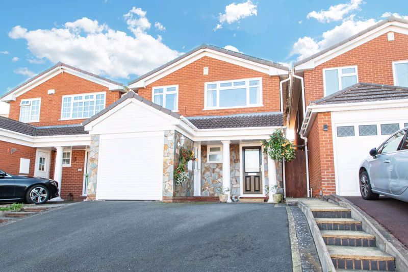 4 bed house for sale in Hamilton Avenue 1