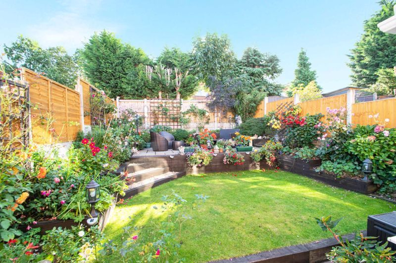 4 bed house for sale in Hamilton Avenue  - Property Image 11