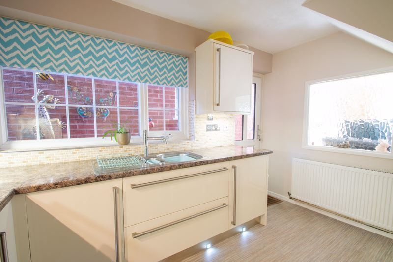 4 bed house for sale in Hamilton Avenue  - Property Image 14