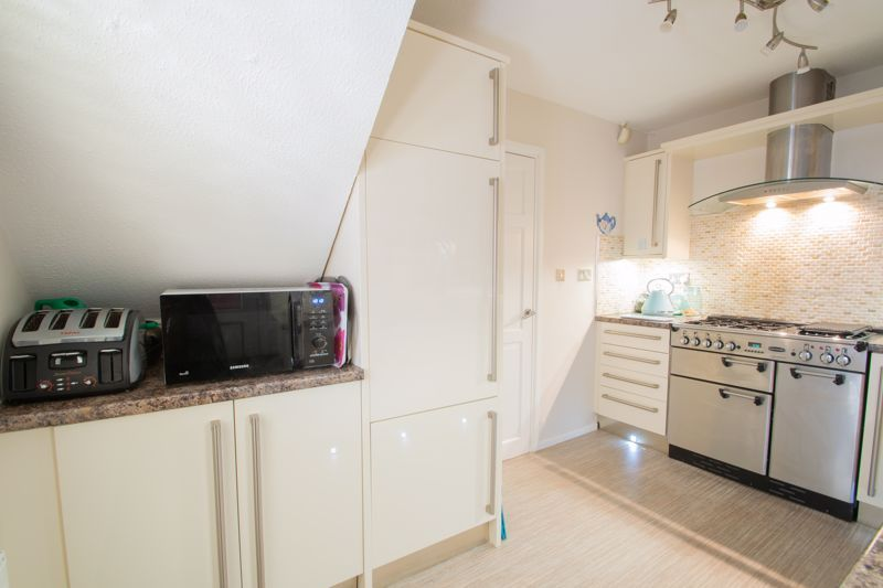 4 bed house for sale in Hamilton Avenue  - Property Image 15