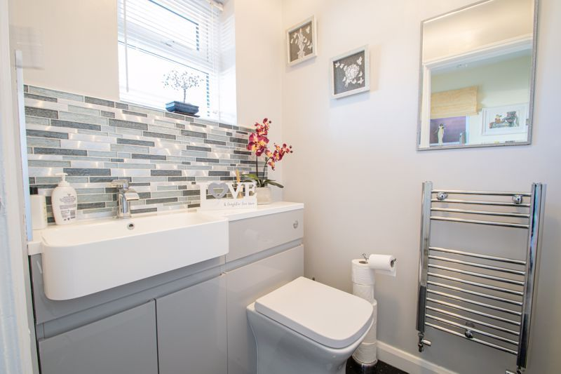 4 bed house for sale in Hamilton Avenue  - Property Image 16