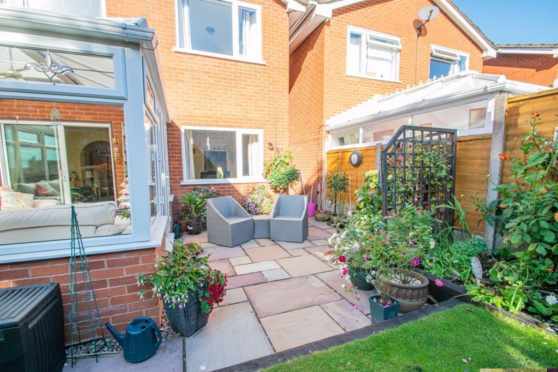 4 bed house for sale in Hamilton Avenue  - Property Image 19