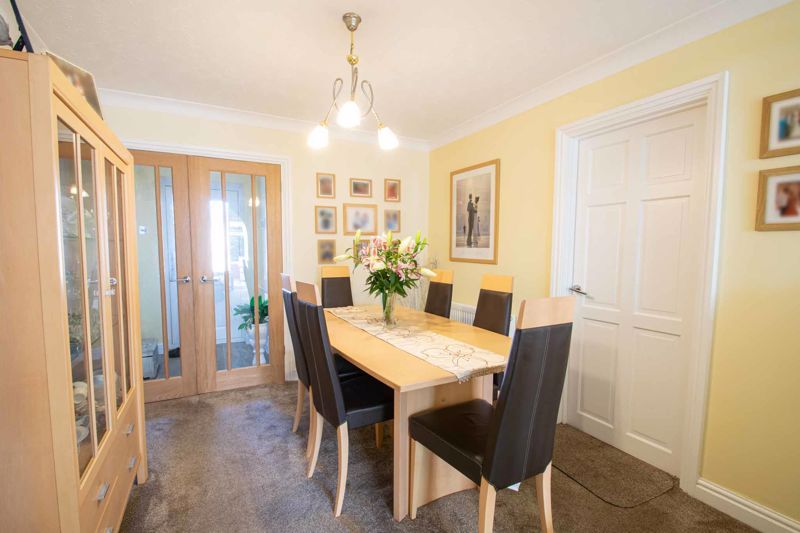 4 bed house for sale in Hamilton Avenue  - Property Image 4
