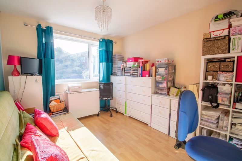 4 bed house for sale in Hamilton Avenue 8