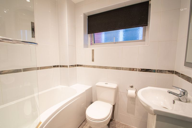 4 bed house for sale in Hamilton Avenue  - Property Image 10