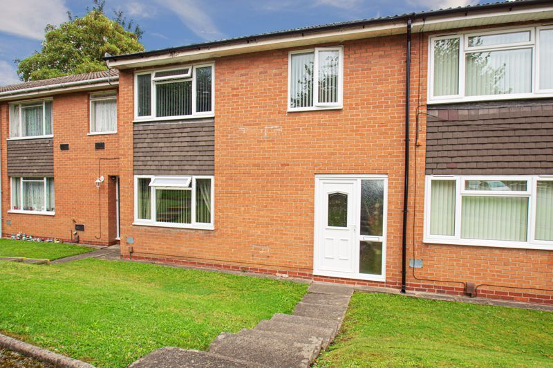 3 bed house for sale in Beoley Road West 1