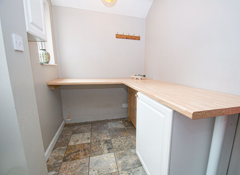 3 bed house for sale in Beoley Road West 6