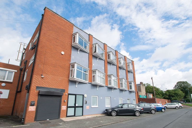 1 bed flat to rent in Pennant Road 1