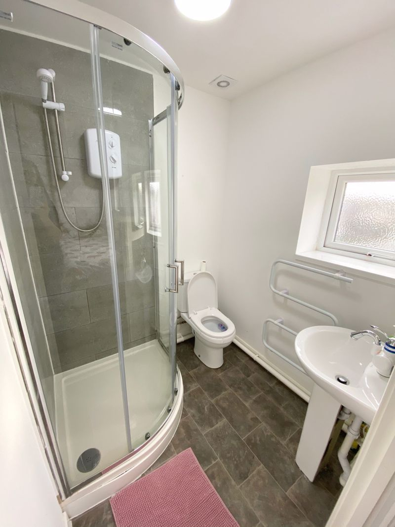 1 bed flat to rent in Pennant Road 11