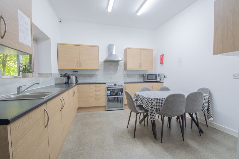 1 bed flat to rent in Pennant Road 4