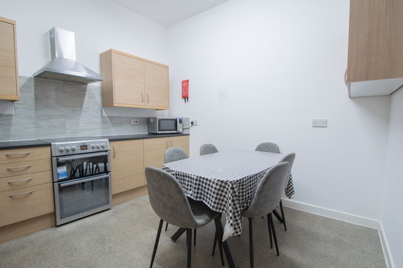 1 bed flat to rent in Pennant Road 5