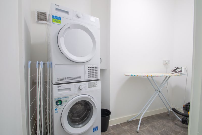 1 bed flat to rent in Pennant Road 7