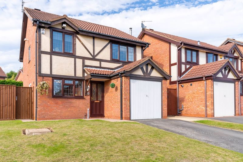 3 bed house for sale in Wroxall Close 1