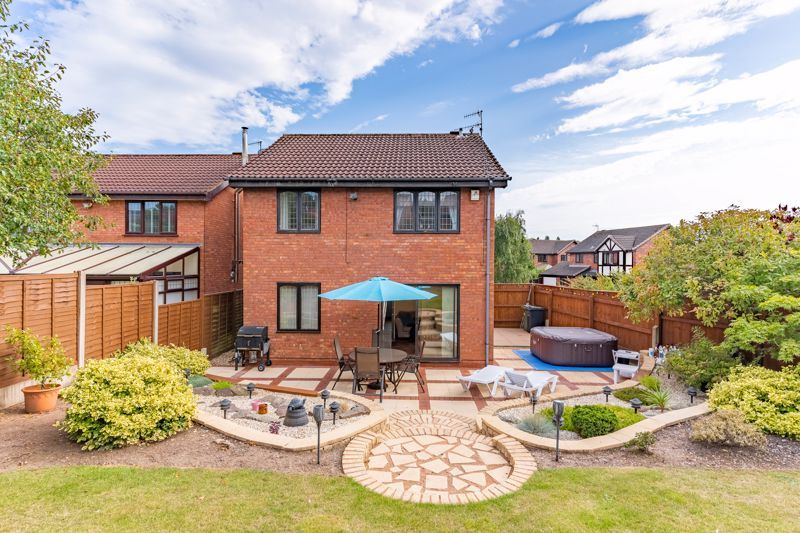3 bed house for sale in Wroxall Close 13