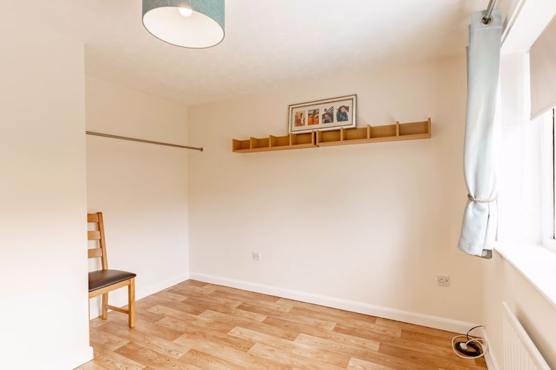 3 bed house for sale in Wroxall Close 15