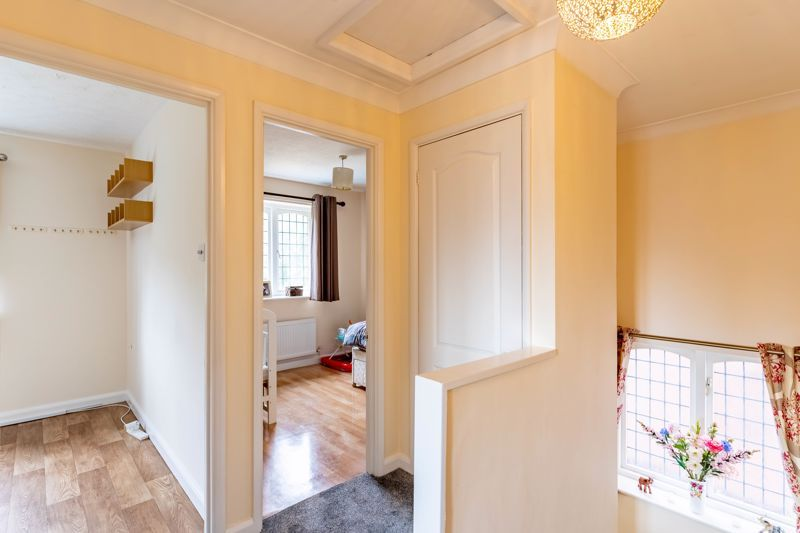 3 bed house for sale in Wroxall Close 16