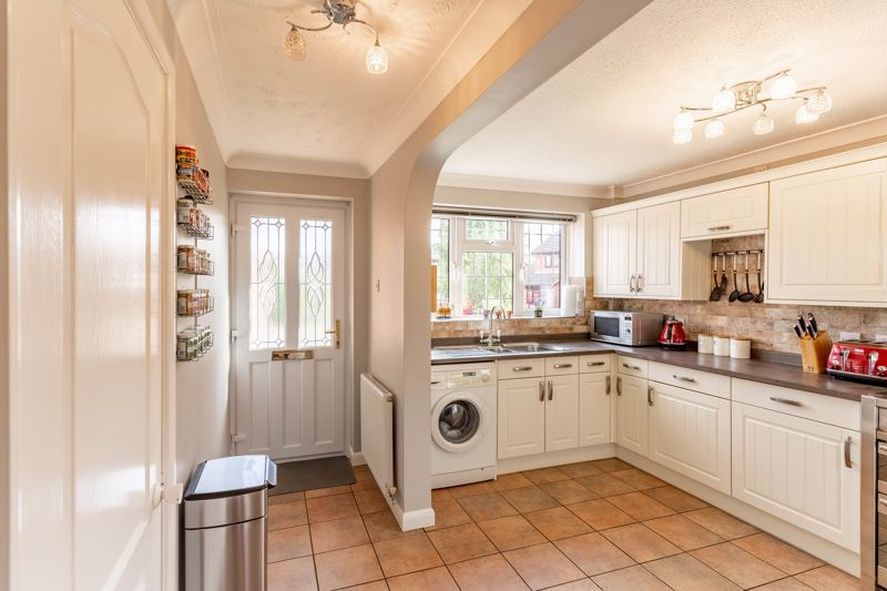 3 bed house for sale in Wroxall Close  - Property Image 17