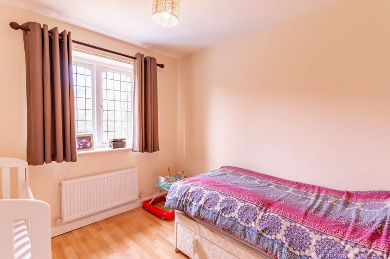 3 bed house for sale in Wroxall Close 10