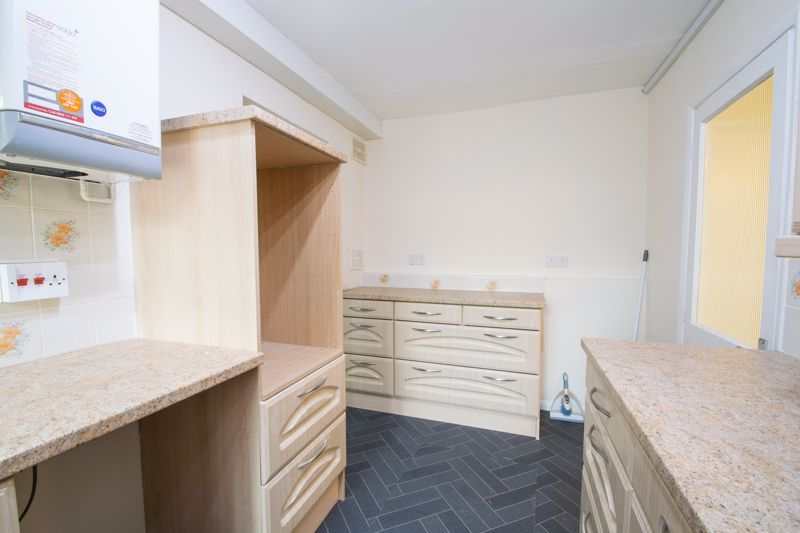 3 bed house for sale in Firth Park Crescent 6