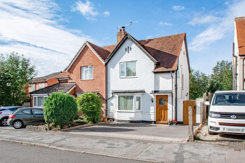 3 bed house for sale in King Edward Road 1