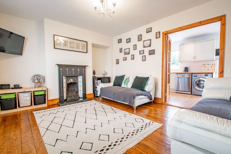 3 bed house for sale in King Edward Road  - Property Image 2