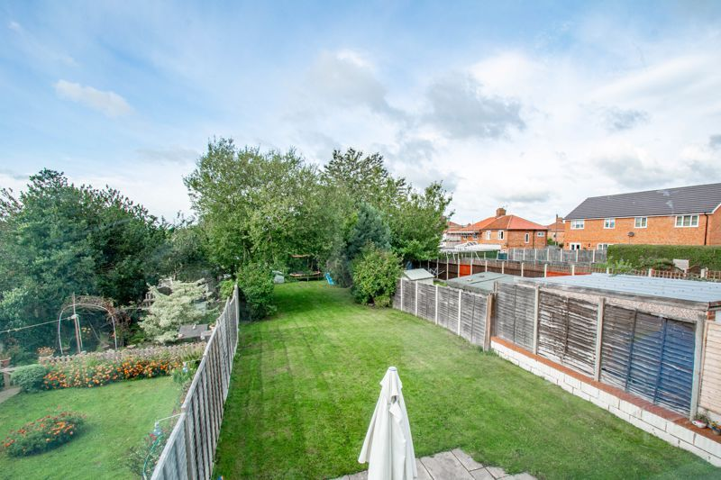 3 bed house for sale in King Edward Road 11
