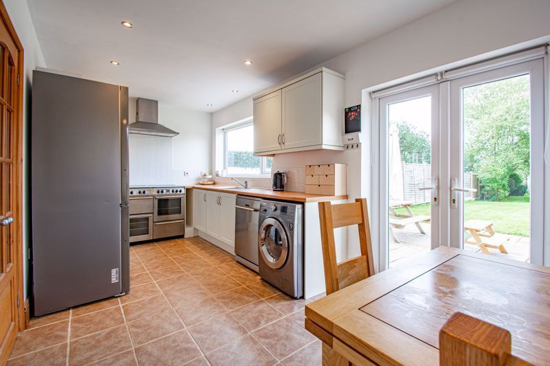 3 bed house for sale in King Edward Road  - Property Image 4