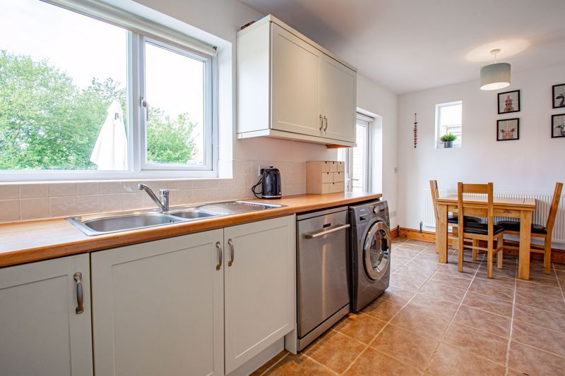 3 bed house for sale in King Edward Road 5