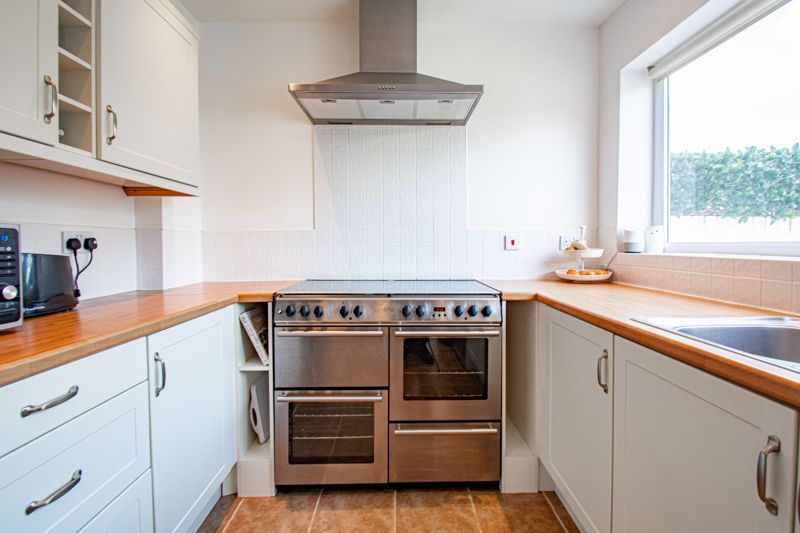 3 bed house for sale in King Edward Road 6
