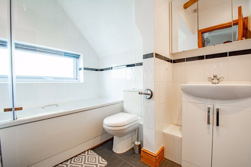 3 bed house for sale in King Edward Road 10