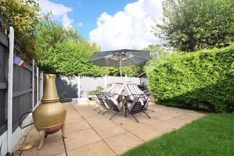 4 bed house to rent in Havergal Walk  - Property Image 12