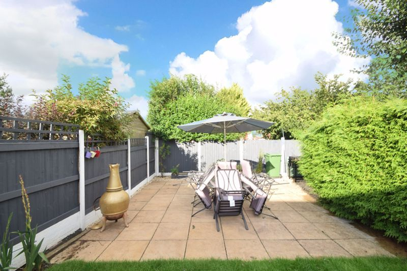 4 bed house to rent in Havergal Walk 13