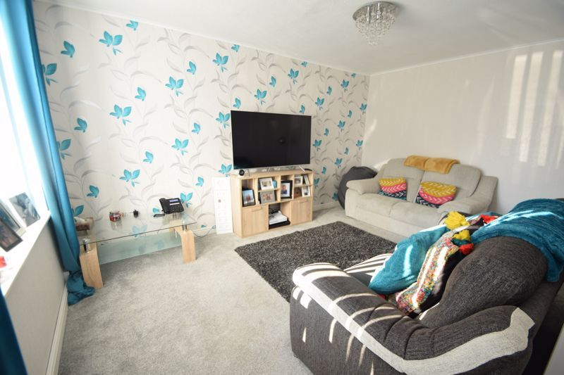 4 bed house to rent in Havergal Walk 3