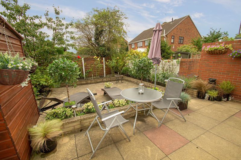 3 bed house for sale in Whitney Avenue 12