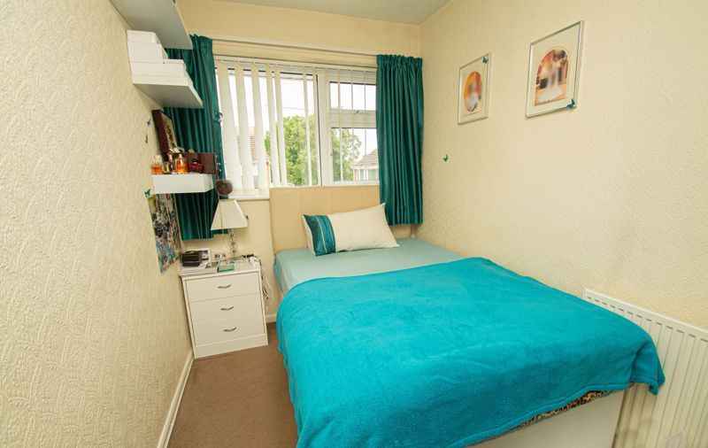 3 bed house for sale in Whitney Avenue 9