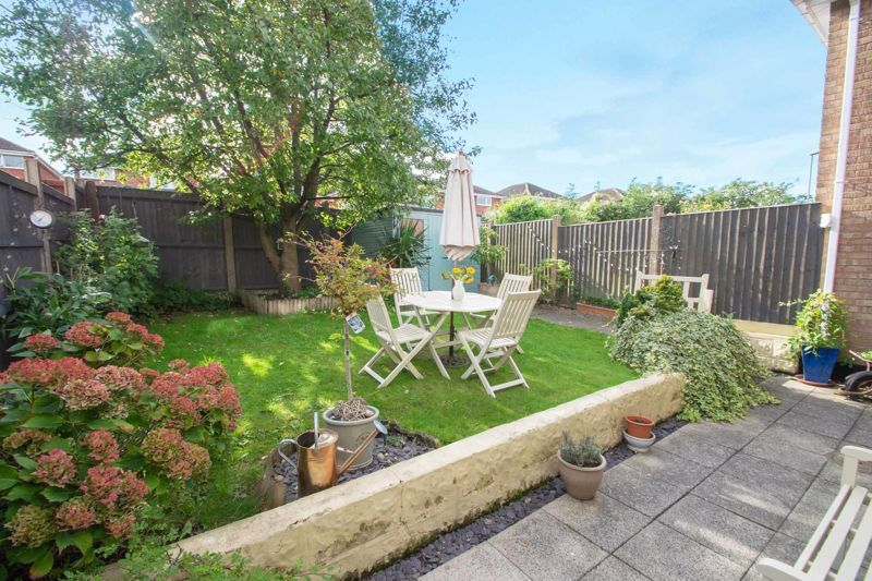 3 bed house for sale in Ravensitch Walk 12