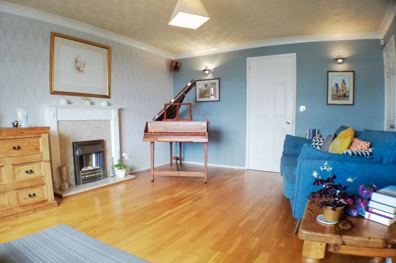3 bed house for sale in Ravensitch Walk 14