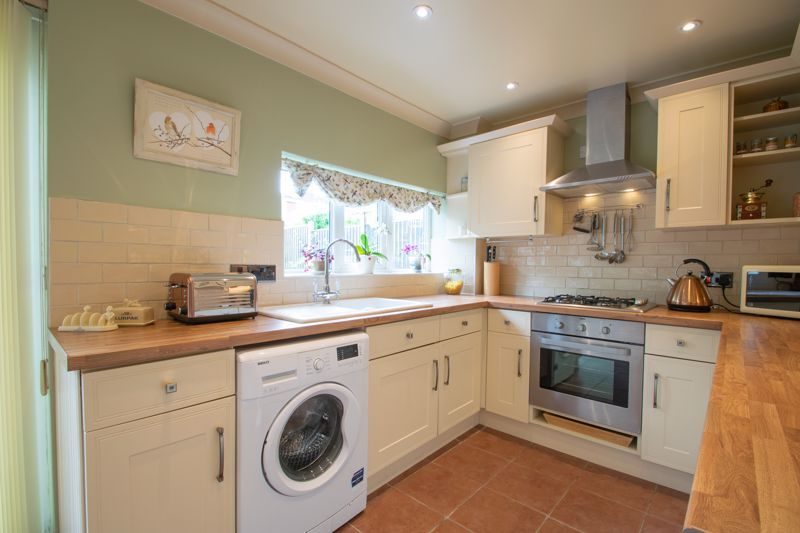 3 bed house for sale in Ravensitch Walk 15