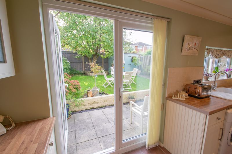 3 bed house for sale in Ravensitch Walk 16